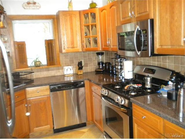 Photo of home for sale at 123-2 Highland Avenue South, Ossining NY